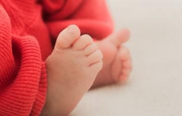 偏平足の赤ちゃん