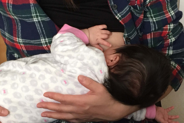 赤ちゃんが乳首を吸える理由