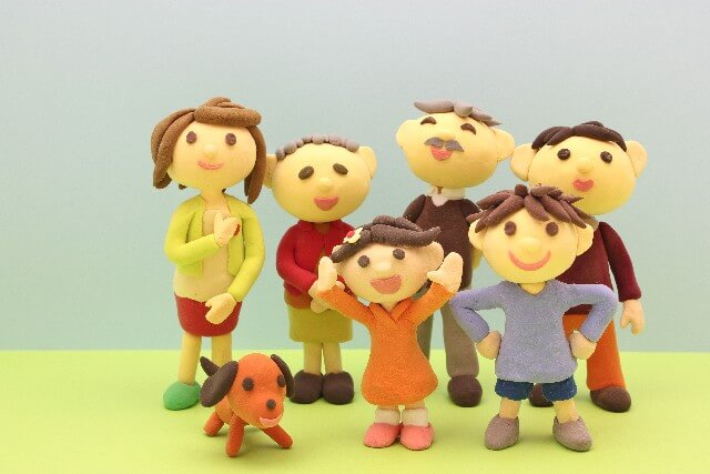 大家族の人形