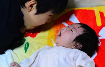 お兄ちゃんと赤ちゃんの妹