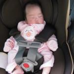 ドライブで赤ちゃんを寝かせる