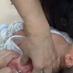 予防接種を受ける赤ちゃん