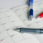 カレンダーとペン