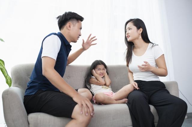 夫婦喧嘩が子供の脳萎縮や成長阻害に…将来に与える影響とは