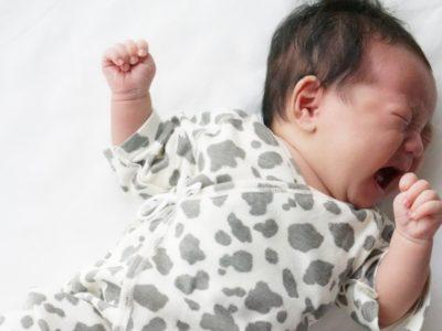 赤ちゃんが1番泣く時期は?泣きやまない理由はパープルクライング?